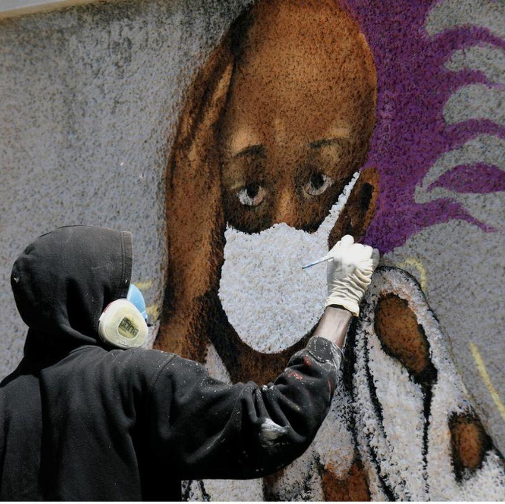 Seniman Grafiti Senegal Perang Melawan Corona