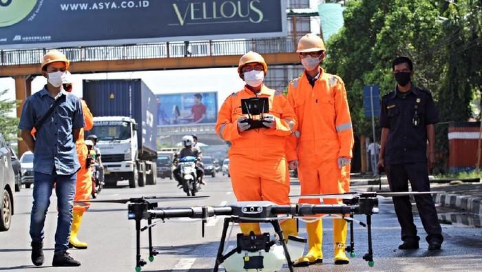 Pemkot Bekasi Semprot Disinfektan ke Stadion-Jalan Protokol Pakai Drone