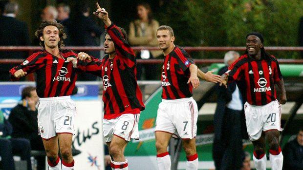 Andry Shevchenko (kedua dari kanan) saat masih berseragam AC Milan. (
