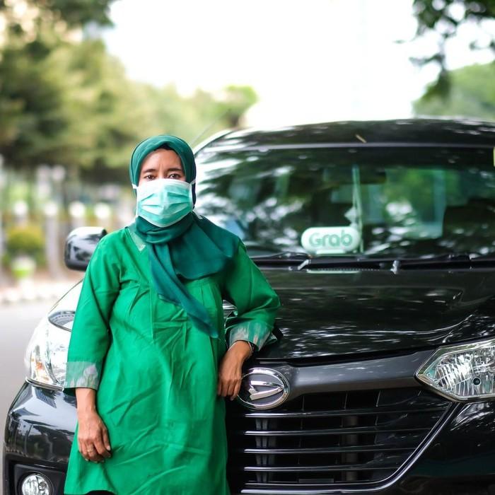 driver GrabCar Desmawati
