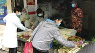 Pejabat China: COVID-19 Sudah Lama Ada, Bukan dari Pasar Wuhan