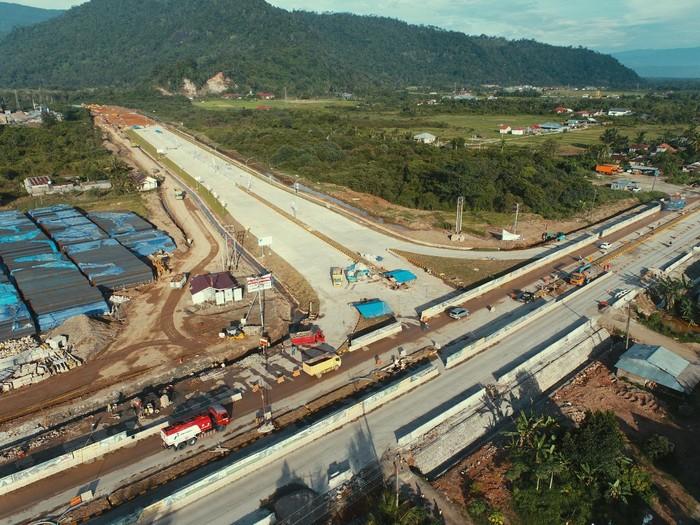Jalan Tol Padang-Sicincin