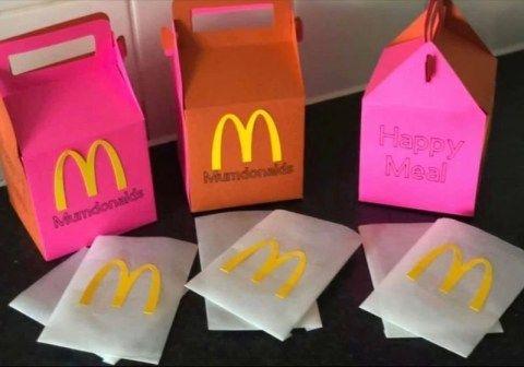 McDonald's Tutup, Ibu Ini Bikin Kotak 'Happy Meal' Untuk Hibur Anaknya