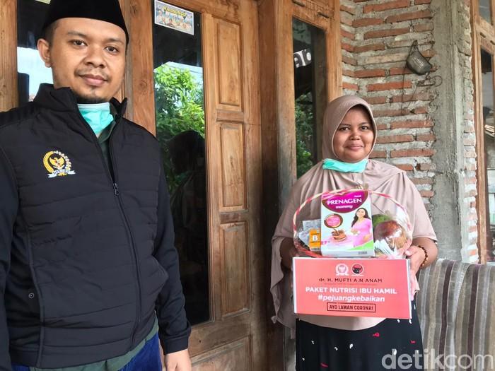 Donasi Gaji 6 Bulan, Anggota DPR Ini Bagi Nutrisi Ibu Hamil hingga Buku Anak