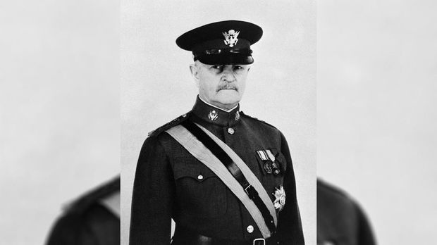 Jenderal John Pershing.