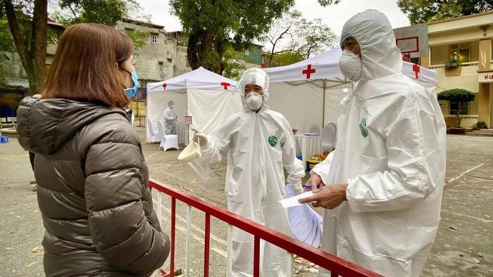 Vietnam memiliki strategi sendiri dalam perang melawan virus Corona (COVID-19) dengan biaya murah. Seperti apa sih caranya? Intip yuks.
