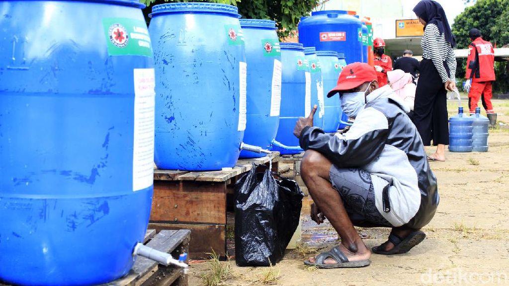 Hallo Warga Bandung, Bisa Ambil Disinfektan Gratis Nih Disini