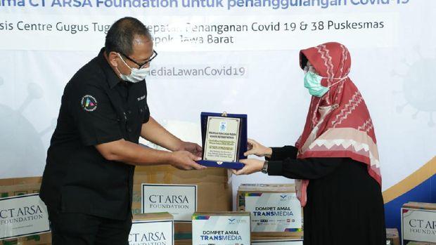 CT ARSA Foundation dan Dompet Amal Transmedia salurkan donasi penanganan virus Corona
