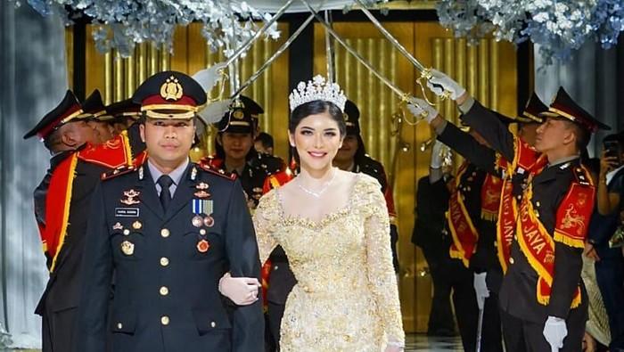 Resepsi pernikahan selebgram Rica Andriani dan Kapolsek Fahrul