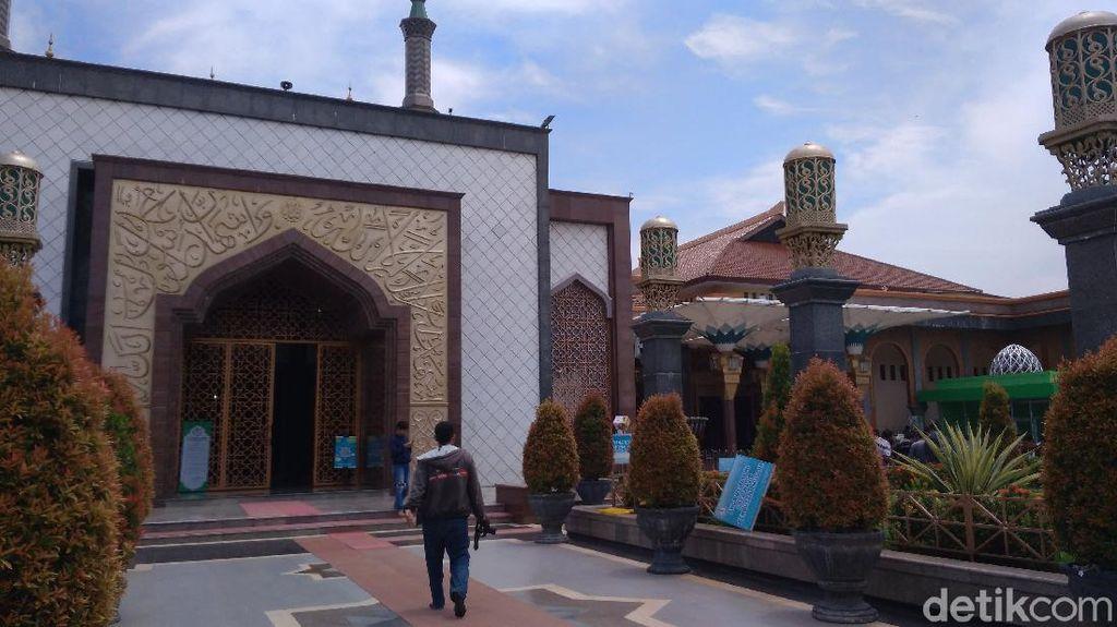 Cegah Corona, Masjid Raya At-Taqwa Cirebon Tak Gelar Salat Jumat