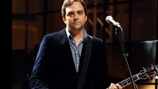 Mengenang Adam Schlesinger, Musisi yang Meninggal Dunia karena Corona