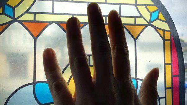 Kaca Patri Jendela, Ubah Pesawat Seperti Tempat Ibadah?