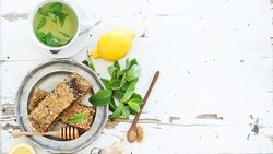 Sedang Terserang Batuk? Coba Redakan dengan 4 Makanan Herbal Ini