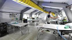 Pembangunan rumah sakit darurat untuk penanganan pasien Corona dilakukan di berbagai negara dunia. Hal itu jadi salah satu strategi untuk lawan pandemi COVID-19