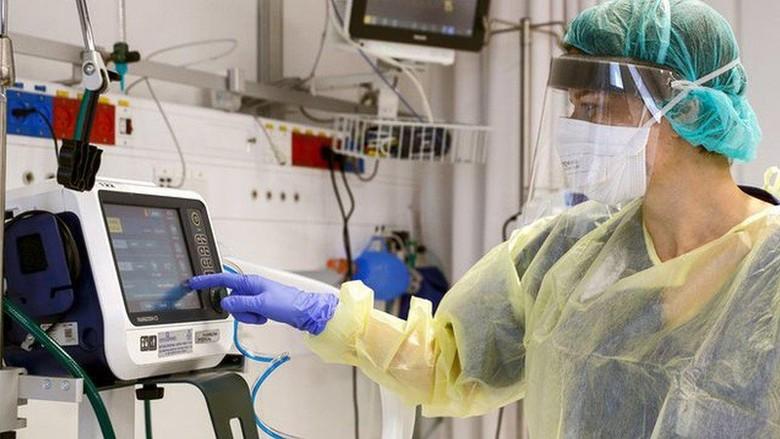 Virus corona: Tujuh insinyur muda India berupaya ciptakan ventilator murah untuk pasien Covid-19
