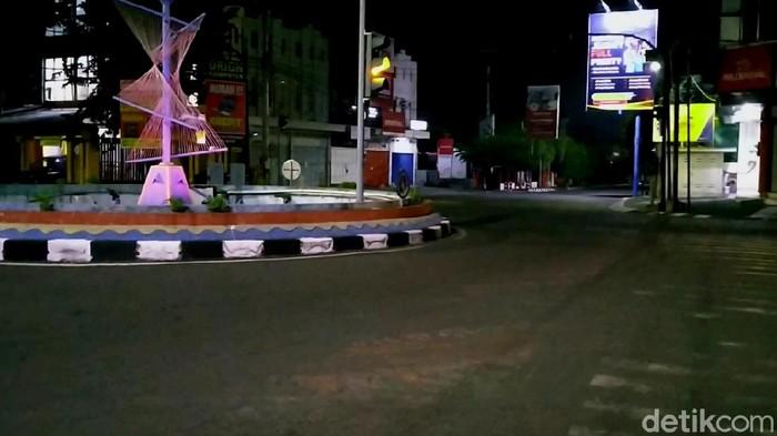 Jam malam di Kota Pekalongan tangkal Corona