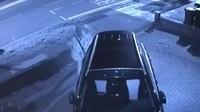 Heboh Pria Diduga Sebarkan Virus Corona Setelah Jilati Gagang Mobil
