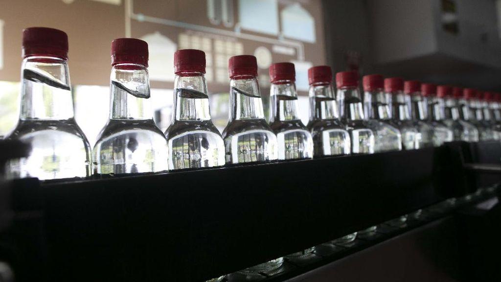 Lawan Corona, Pabrik Rum di Venezuela Produksi Alkohol Antiseptik