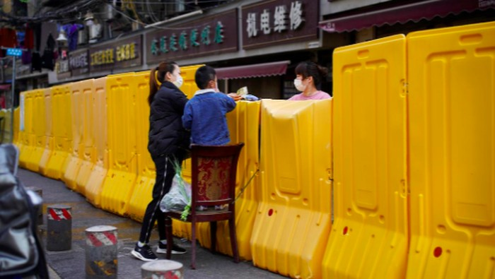 Cara warga Wuhan belanja makanan