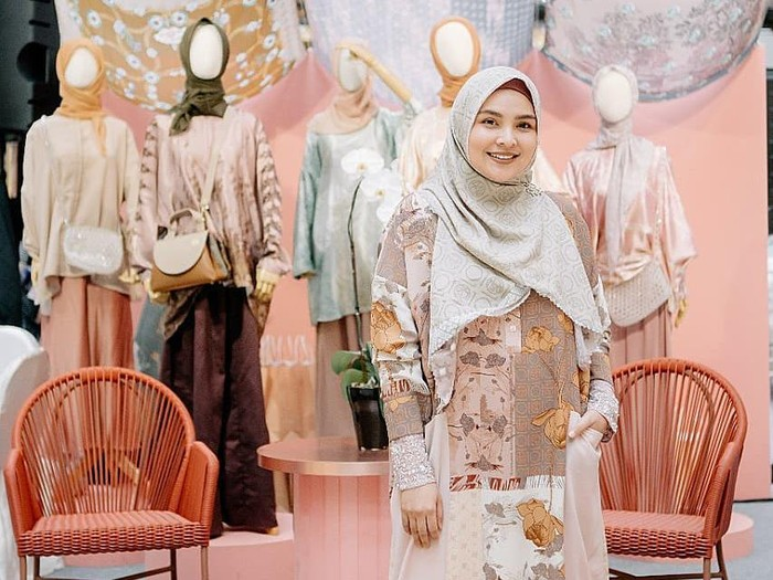 Koleksi Terbaru Ria Miranda di Fashion Nation 2020