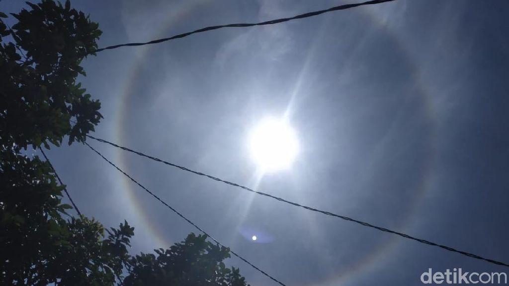 Fenomena Halo Matahari Bikin Heboh Warga Bandung