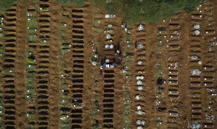 Brasil menyiapkan kuburan massal untuk jenazah korban virus Corona (Covid-19).  Begini penampakan kuburan khusus jenazah korban virus Corona tersebut.