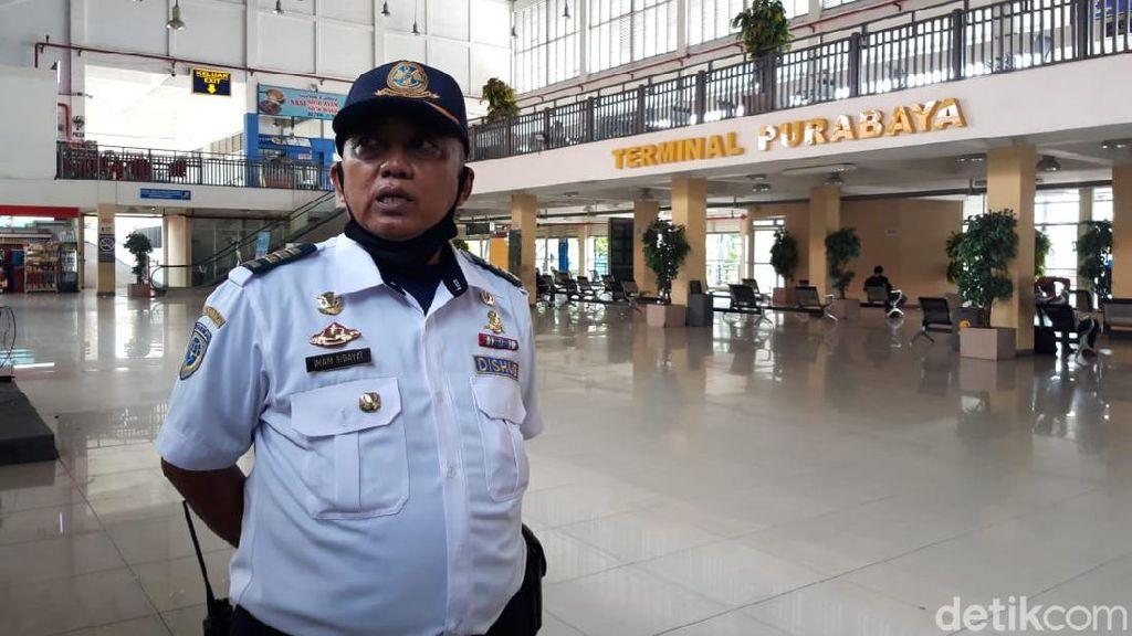 Corona Mewabah, Terminal Bus Purabaya Bungurasih Sepi Penumpang