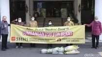 Pemkot Surabaya Dapat Bantuan 200 Ton Beras untuk Tangani Corona