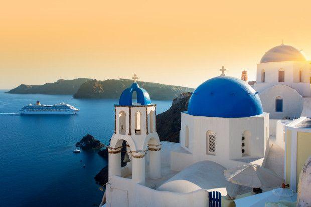 Pulau wisata favorit traveler di Yunani.