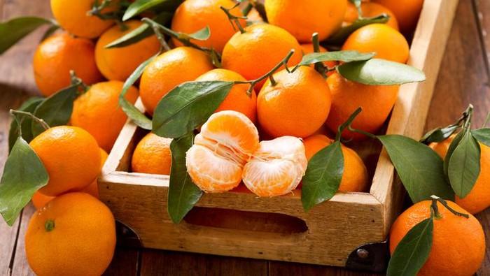Jeruk mandarin memiliki warna oranye yang terang