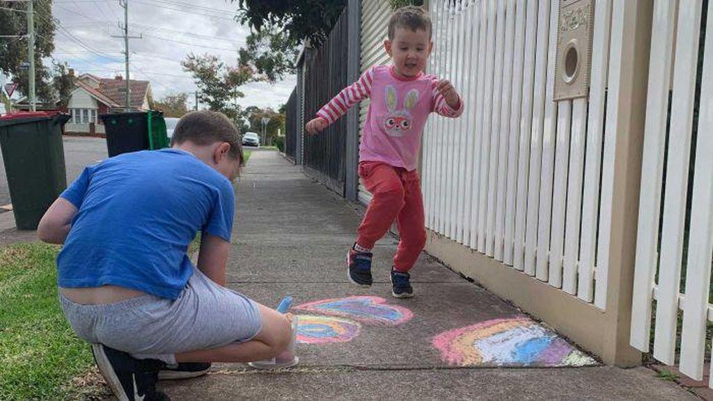 Kamu Tak Sendirian, Anak-anak Australia Bangkitkan Semangat Perangi Corona