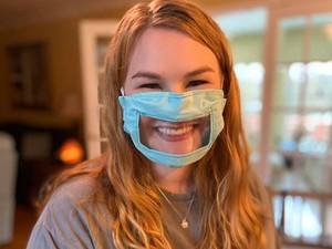 Keren, Mahasiswi Buat Masker Khusus Orang Tuli dan Kesulitan Mendengar