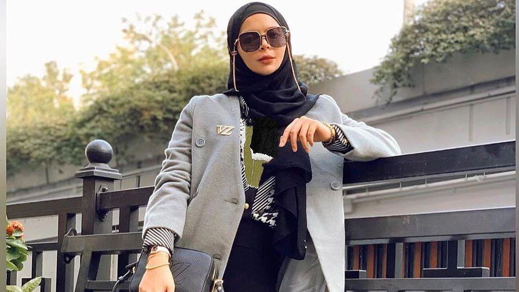 Desainer Vivi Zubedi Eksis di Times Square New York, Brand Lokal Go Global