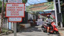 Warga Jakarta Mulai Batasi Jalan Akses Masuk Perumahan
