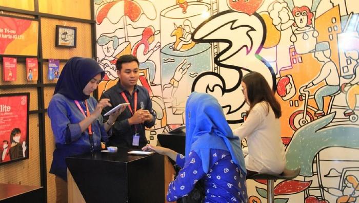 Operator seluler Tri Indonesia sudah 13 tahun beroperasi di Indonesia.