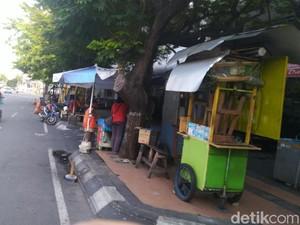 Nasib Usaha Kuliner Saat Ruas-ruas Jalan di Semarang Ditutup