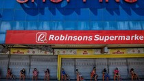 Potret Antrean Panjang Warga Filipina saat Belanja di Swalayan