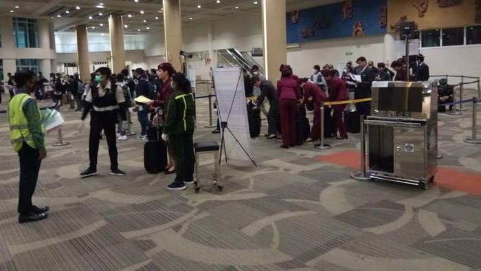 550 WNI ABK tiba di Bandara Ngurah Rai Bali