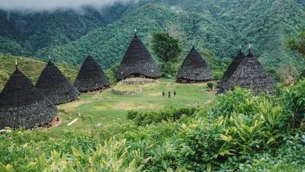Jelajahi Indahnya Alam dan Budaya Wae Rebo