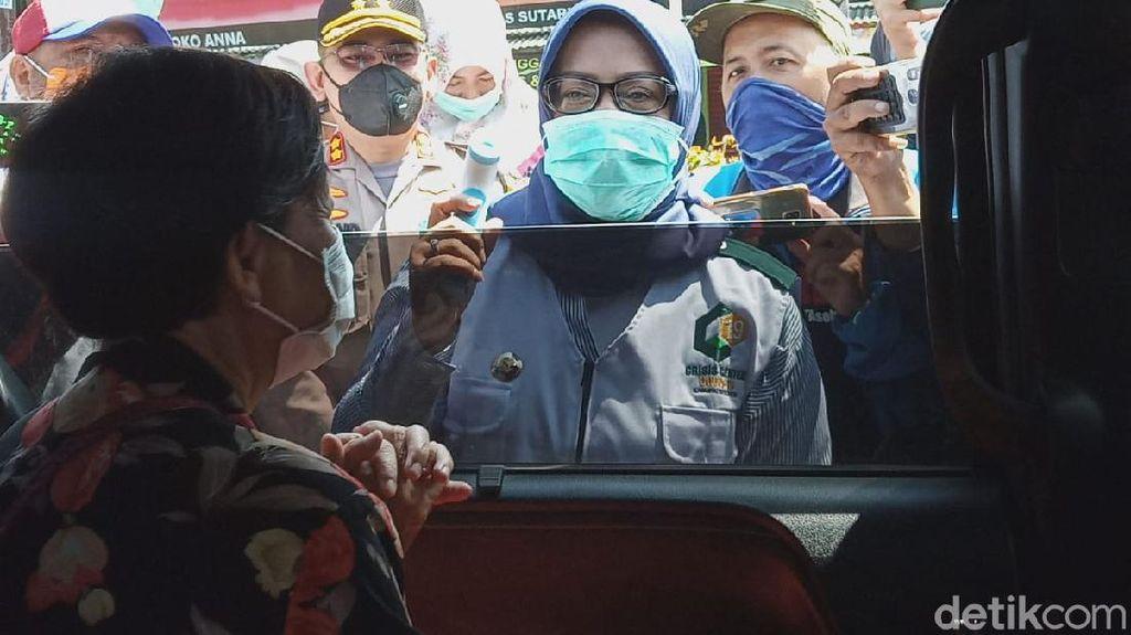 Cegah Eksodus ke Puncak, Bupati Bogor Cegat Mobil dari Jakarta