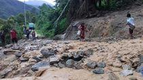 Longsor Putus Akses Jalan ke Empat Desa di Luwu