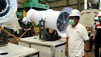 JK Tinjau Perakitan Armada Gunner PMI Penyemprot Disinfektan