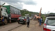 Jalan Lintas Palembang-Jambi Rusak Lagi, Lalin Macet hingga 5 Km