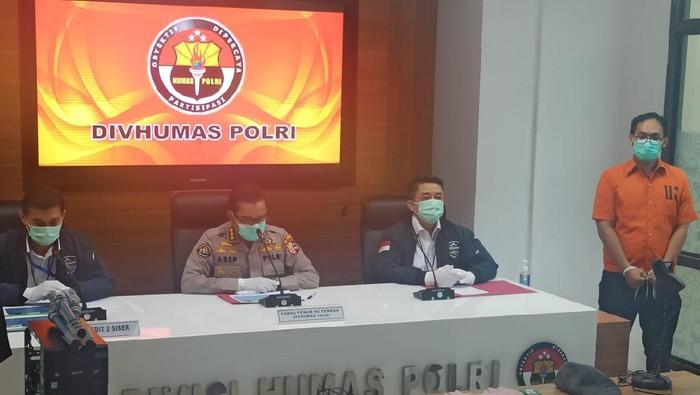 Konpers Kasus Ali Baharsyah Penghina Jokowi