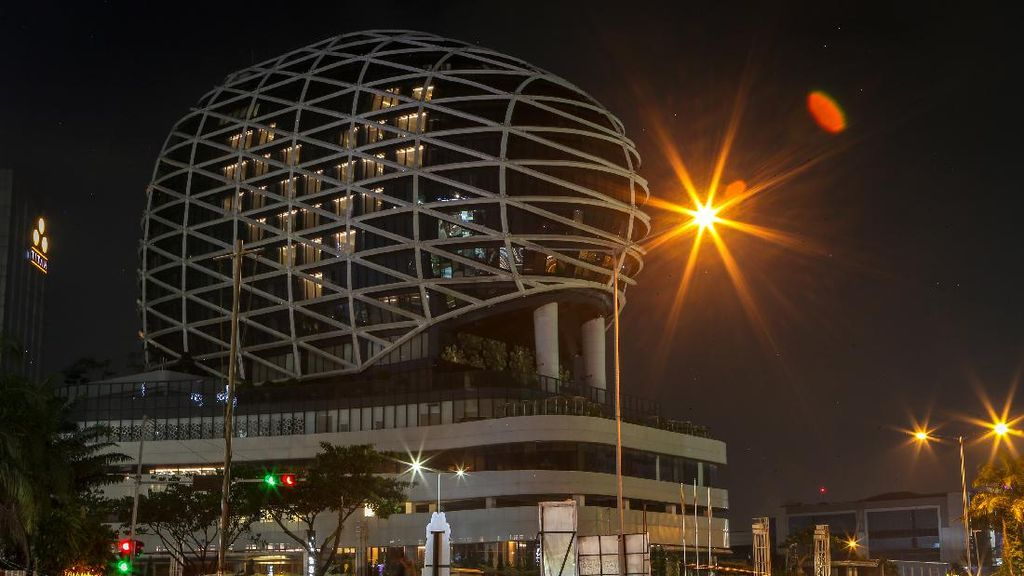 Dukung Tenaga Medis, Hotel Ini Nyalakan Lampu Bentuk Hati