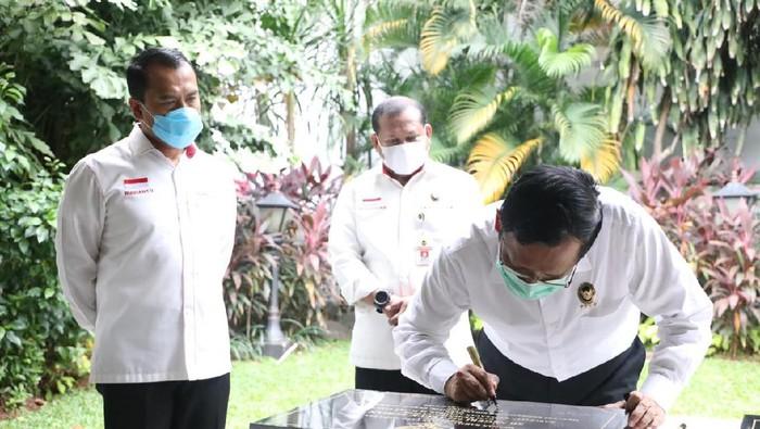 Mahfud Teken Sembilan Prasasti Pembangunan Kabupaten Kepulauan Anambas