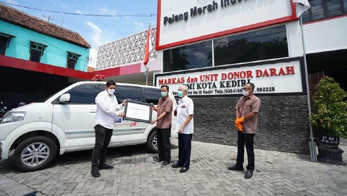 Mobil Ambulan Canggih PT Gudang Garam Bantu PMI Tangani Covid 19