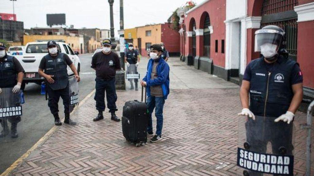 Cegah Corona, Peru Batasi Orang Keluar Rumah Berdasarkan Jenis Kelamin