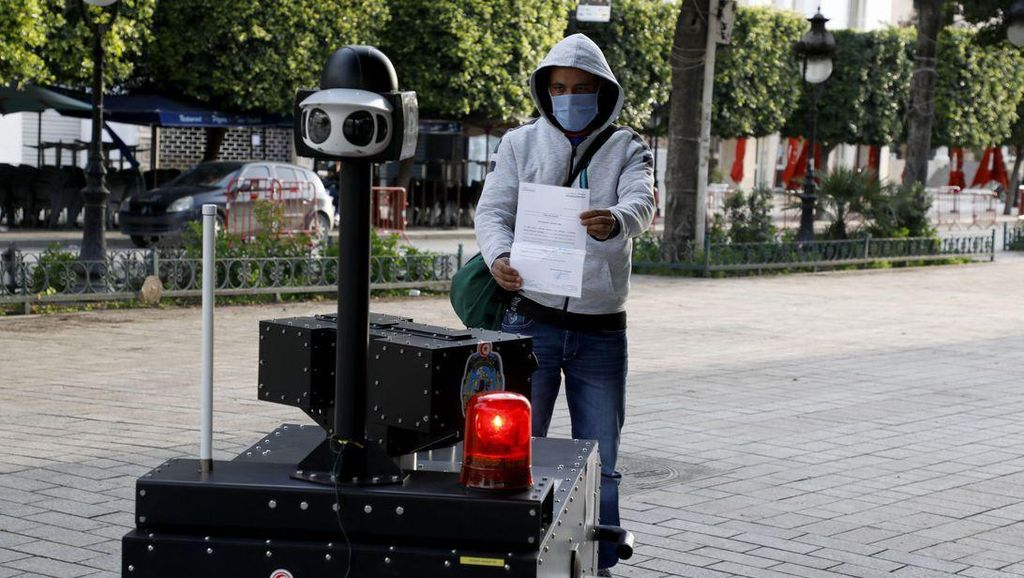 Tunisia Kerahkan Polisi Robot untuk Jaga Lockdown Corona