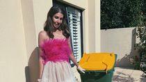 9 Gaya Isolasi Mewah Sosialita yang Pakai Baju-baju Mahal Saat Beberes Rumah